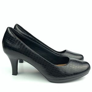 Clarks artisan heels size 8.5 39.5 tortoise print
